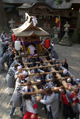 御杖神社の太鼓台奉納