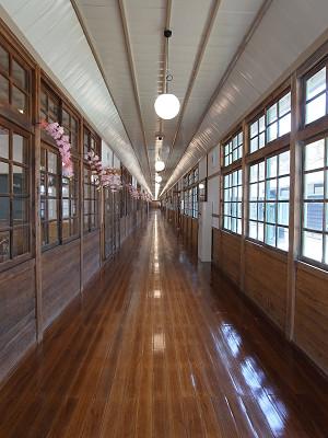 ピカピカの廊下@みつえ体験交流館