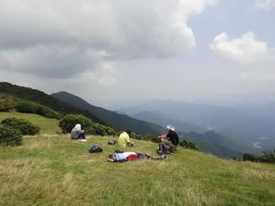 三峰山、夏だより